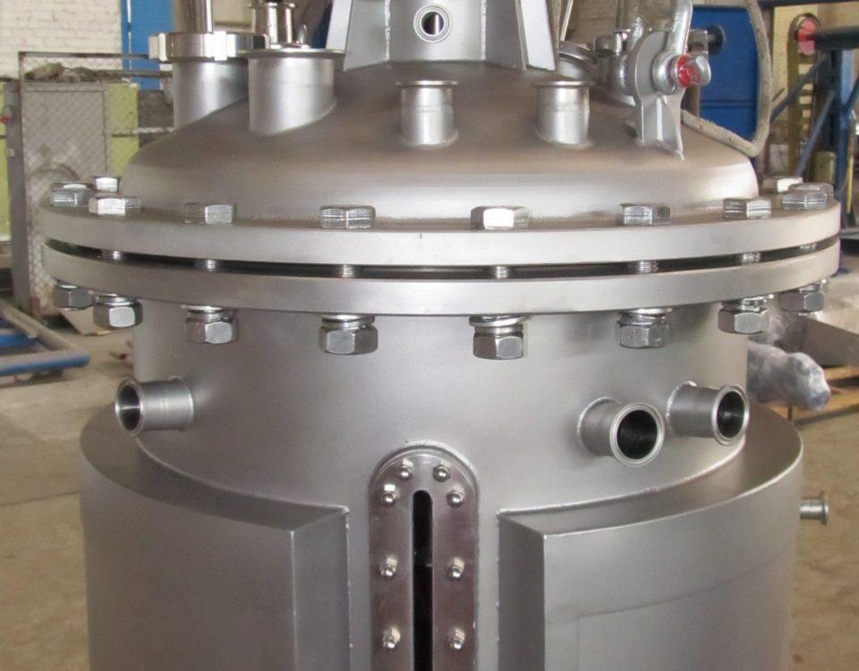High-pressure reactors